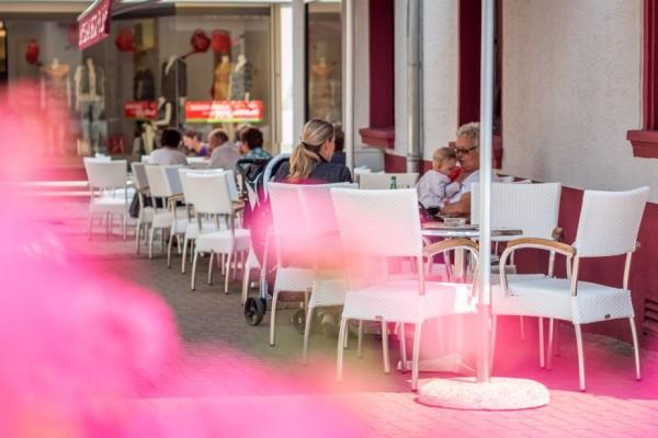 Frühstück, Mittagessen und Eis - Eiscafé Venezia